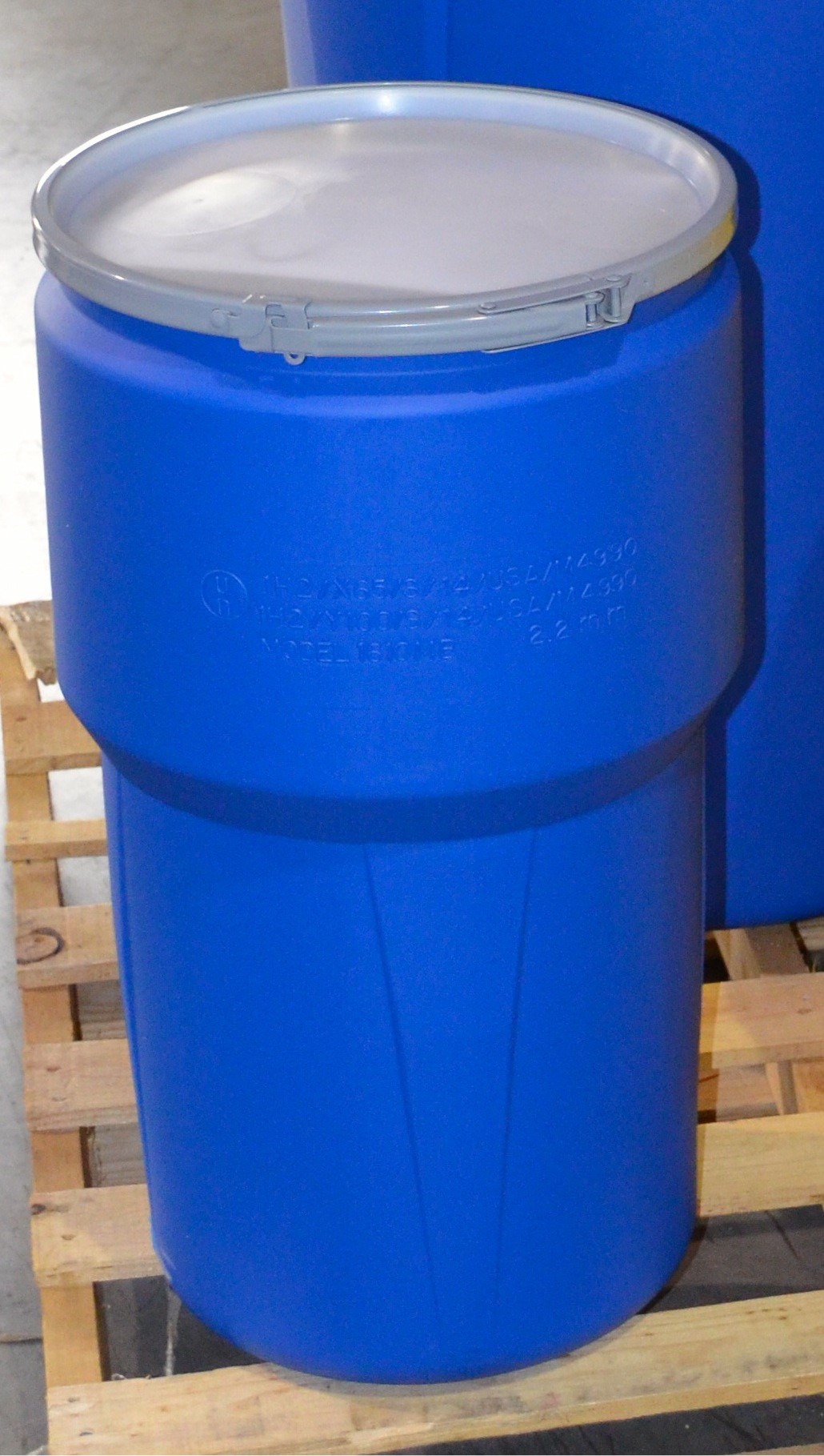 UN Rated Plastic Drum with Metal Locking Band